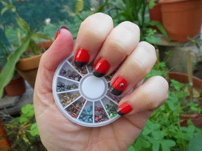 Manicuras fáciles y divertidas: Manicura francesa roja y gris.