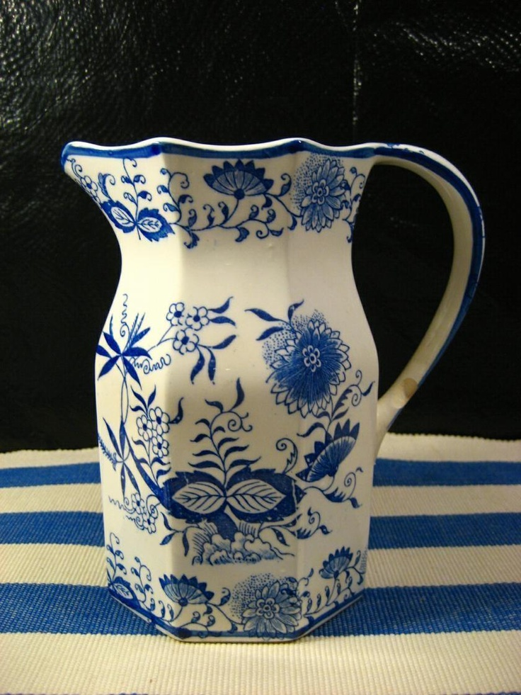 Blue Onion Pitcher Made by Arnart Vintage 6 1/4 tall & 45 best Estate Sale u0026 Collectible Dishes images on Pinterest ...
