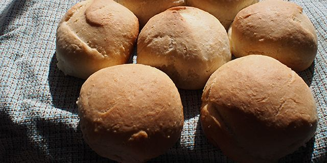 bread and coconut pan Samoan coconut bread rolls( pani popo)  preheat the oven to 350 f add the remaining coconut milk in the pan brush the top of the loaf with coconut milk and.