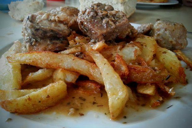 μια ανοιξιάτικη εκδοχή του χοιρινού: ριγανάτο με τηγανητές πατάτες