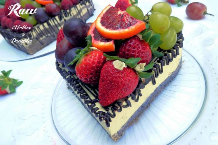 Raw Choco- mango tart with fruits  Raw Mother&Daughter