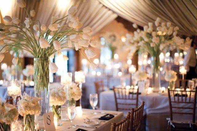 Schlichte Tischdeko Hochzeit Fr Hling Tulpen Wei