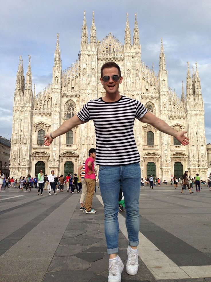 Milan street style, men's style, skinny jeans, nike air force 1, ray ban sunglasses, stripped t-shirt, Duomo, H&M