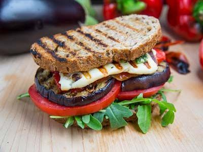 vegetarian grilled sandwich with halloumi cheese