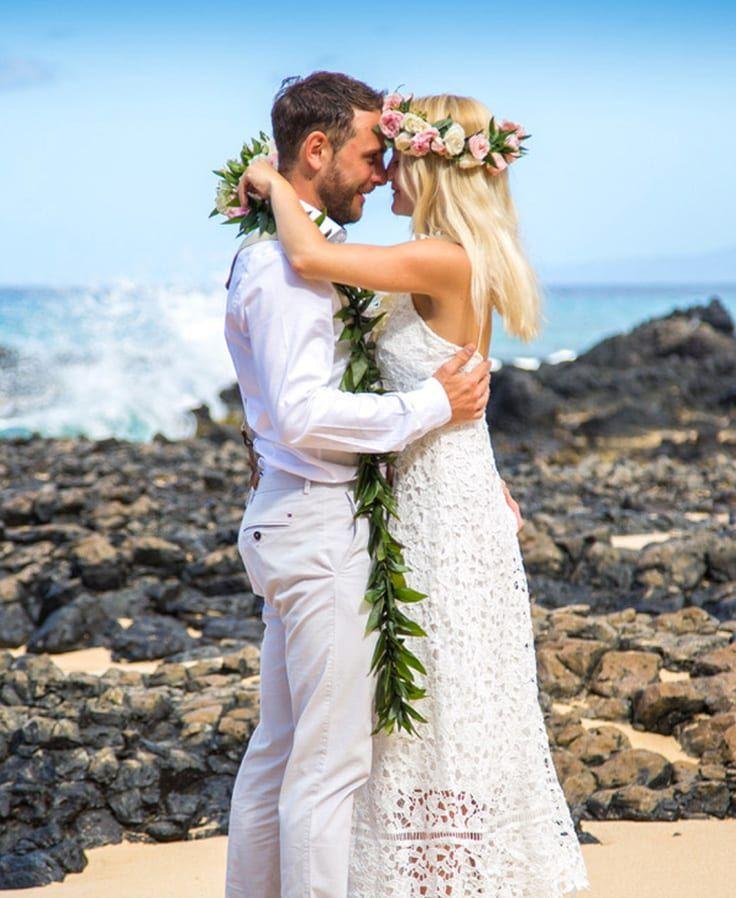 Hawaiian Wedding Traditions Ancient Hawaiian Weddings In 2020 Hawaiian Wedding Hawaiian Wedding Dress Traditional Hawaiian Wedding Dress