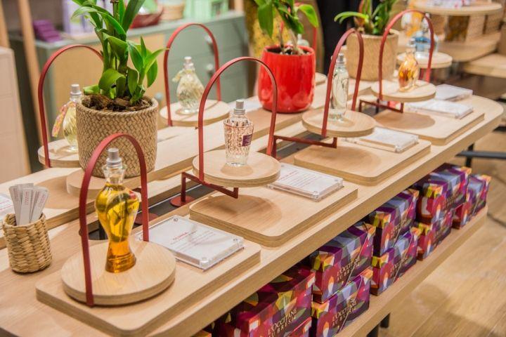 l'Occitane au Brésil boutique by centdegrés, Sao Paulo – Brazil » Retail Design Blog