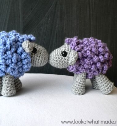 Small crochet sheep - free amigurumi pattern // Mini amigurumi bárányka - ingyenes horgolásminta // Mindy - craft tutorial collection // #crafts #DIY #craftTutorial #tutorial