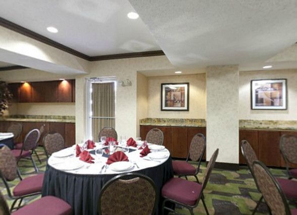 Holiday Inn Express Suites Dallas Park Central Northeast In TX