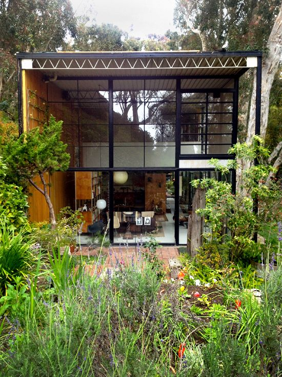 110 best eames house images on pinterest charles eames eames and side chairs. Black Bedroom Furniture Sets. Home Design Ideas