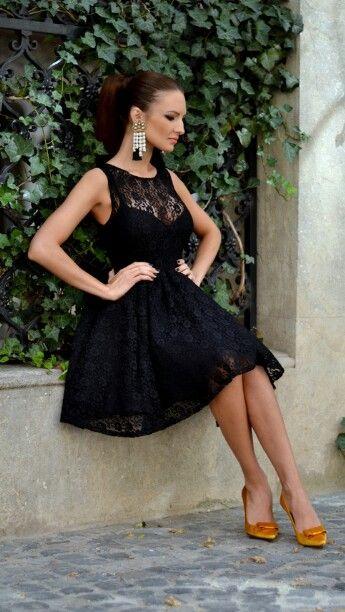 Vestido negro corto ampon