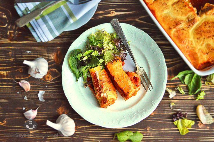 Canelloni ze szpinakiem i ricottą w sosie pomidorowym