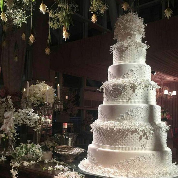 Bolo de casamento de 7 andares do casamento de Wesley Safadão e Thyane Dantas.
