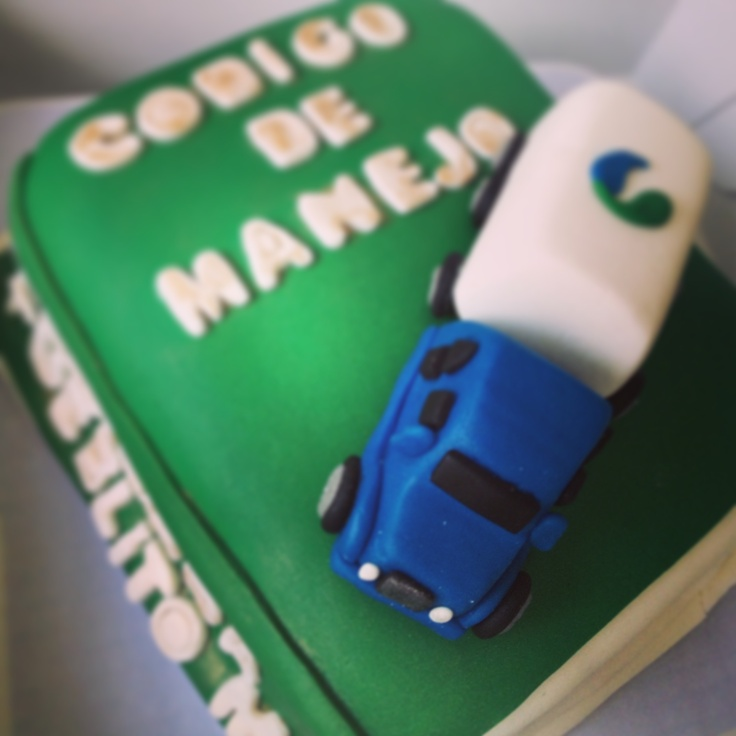 "Driving Code cake by ""Erase una vez"""