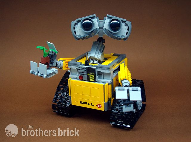 Exclusive review of #LEGO Ideas Wall•E set designed by Angus MacLane   The Brothers Brick   LEGO Blog