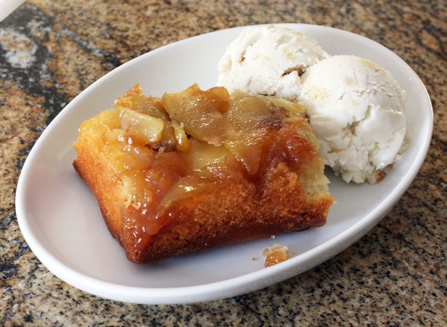 How to Make a Delicious Upside Down Apple Cake With Streusel Topping: Upside-Down Apple Streusel Coffee Cake