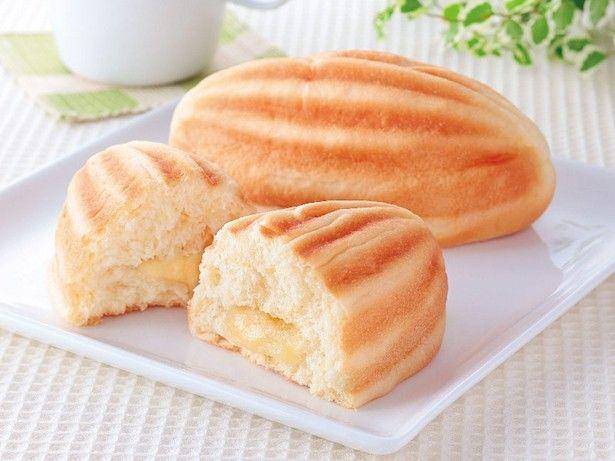 神戸のメロンパンはラグビーボール型が特徴