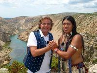 """Supertalent""-Gewinner Leo Rojas wird bei Gute Laune TV zu Winnetou!"