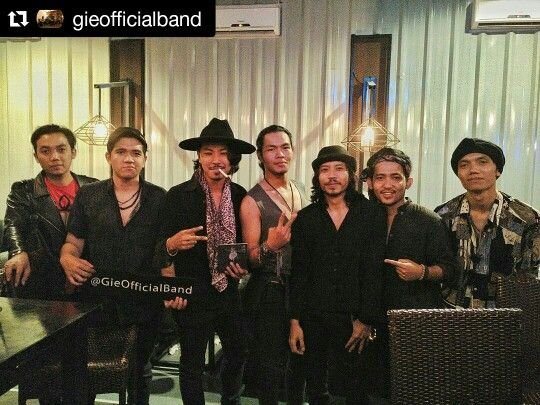 Gie with Novan Bluesmates