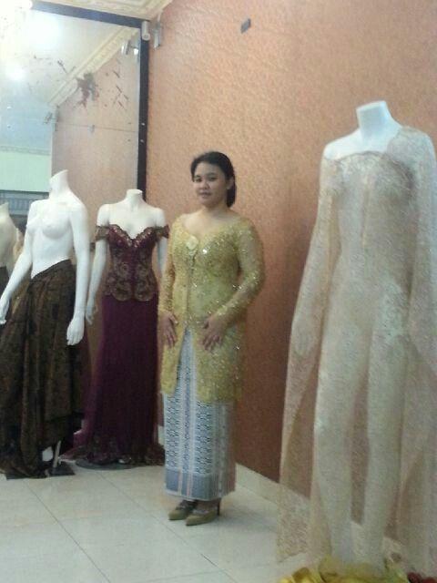 wedding dress by myrna myura