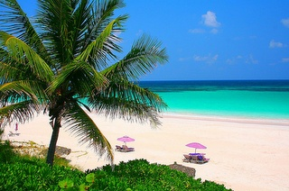 Bermuda - Our April destination!: Bermuda Beaches, Favorit Place, Lighthouses, Vacations Spots, Feet, Harbour Islands Bahama, The Bahama, Pink Sands Beaches, Honeymoons Place
