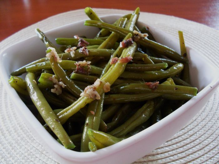 Green beans with anchovy. Delicious warm salad.