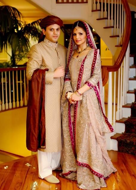 I am LOVING this bronze-gold and accent trend seen in shaadi outfits!
