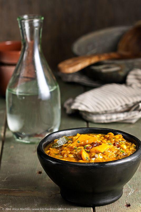 North African Squash & Chickpea Stew #veganrecipe #vegan #healthyfood