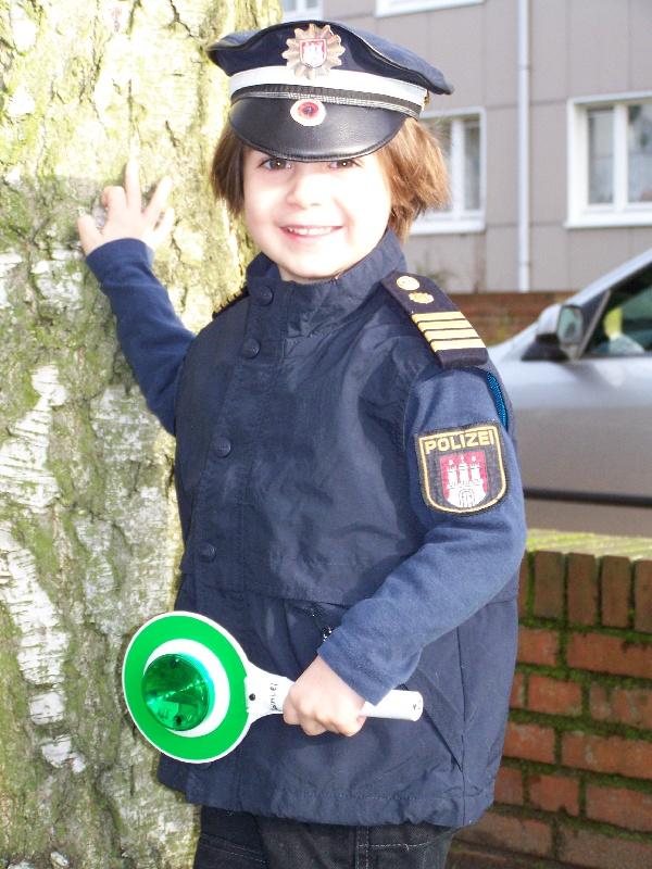 kleiner Polizist