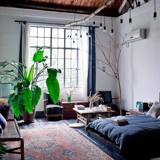 Доброе утро! Спальня в лофтовой квартире. Мечта художника и поэта  Good morning! Loft bedroom is a dream of any artist!