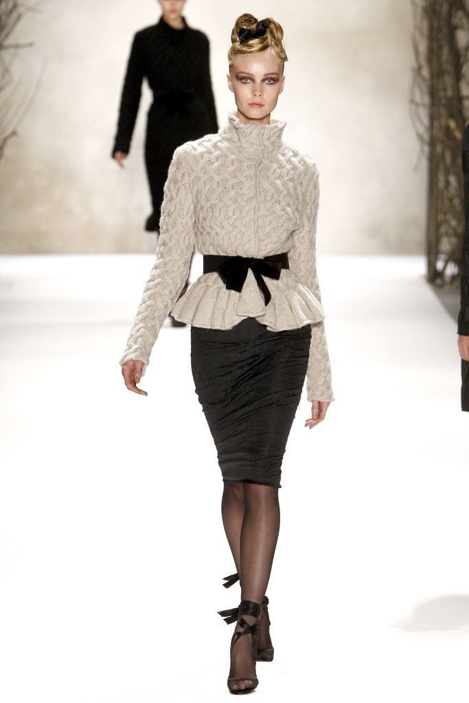 buy womens shoes online discount Monique Lhuillier Fall 2011 Ready to Wear Collection Photos   Vogue