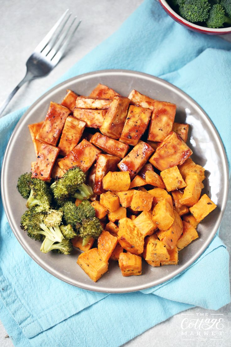 If you are looking for a quick and easy meal...you must try our BB! Tofu with Sweet Poatotes and Broccoli Sheet Pan Meal!