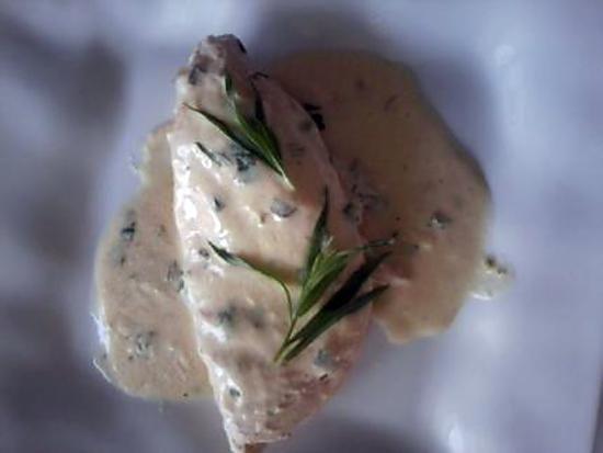 La meilleure recette de Papillote de suprême de poulet à l'estragon! L'essayer, c'est l'adopter! 5.0/5 (5 votes), 9 Commentaires. Ingrédients: 4 blancs de poulet fermier, 1 bouquet d'estragon, 1 yaourt nature, 2cs de jus de citron, 2cs de moutarde, sel et poivre.
