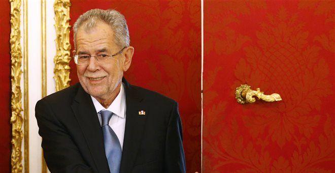Αυστρία: Νέος πρόεδρος νέα πολιτική κρίση