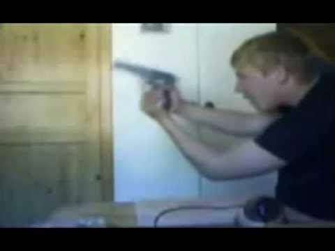 Giocare con la pistola?? Pessima idea