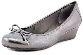 Easy Spirit Davalyn Women Open Toe Leather Silver Wedge Heel.