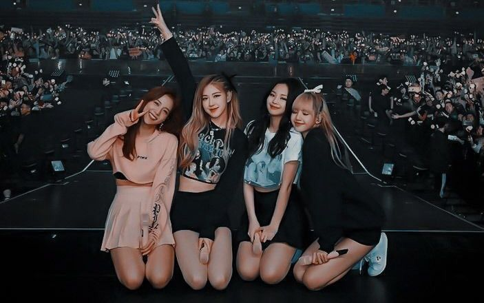 Blackpink Background Wallpaper For Laptop In 2021 Laptop Wallpaper Lisa Blackpink Wallpaper Blackpink Photos