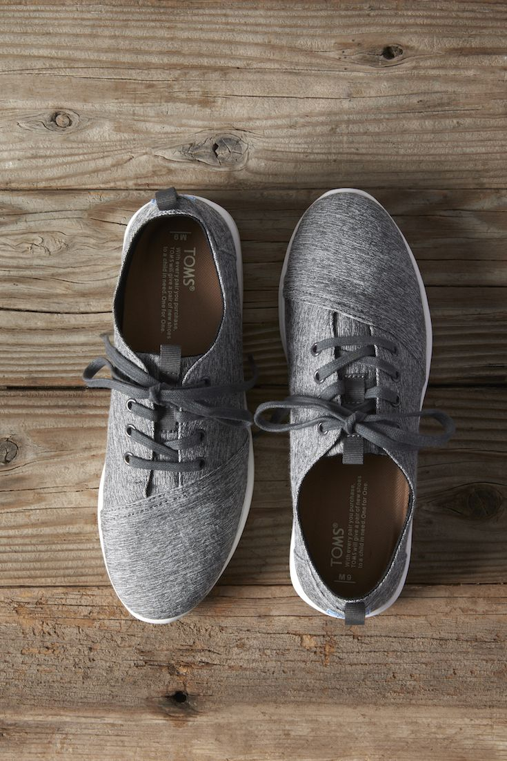 The Del Rey takes sneakers in a tailored direction. Featuring grey textile and a lightweight sole, they're the perfect go-to sneaker for those with a distinct sense of style.