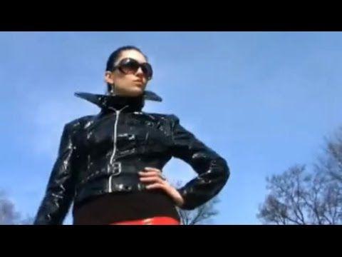 vinyl latex girl jacket pvc boots Frauen Stiefel shiny - YouTube