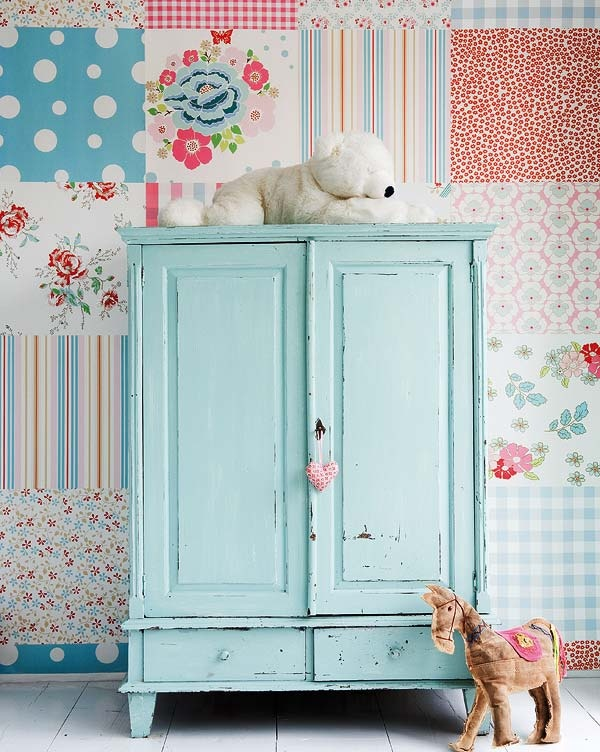 Love this idea of mixing and matching wallpaper into a patchwork kind of look.