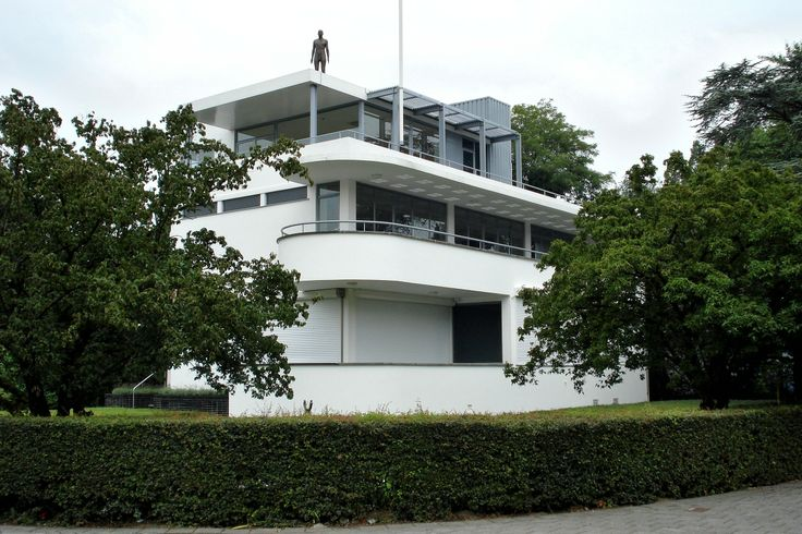 """Kraayeveld's Villa (now Chabot Museum), Rotterdam, 1938, designed in """"New Objectivity"""" style by Gerrit Willem Baas"""