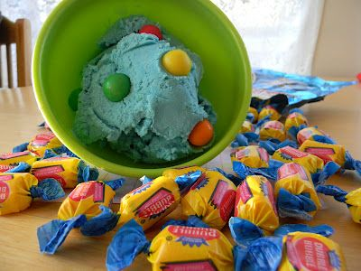 Bubblegum Ice Cream...I need an ice cream maker! I have 3 grandchildren that will just love this...blue lips, tongue and all!