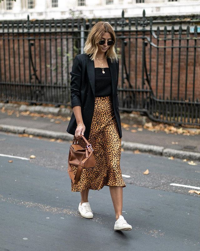 498a68cd7904 Black blazer + leopard midi skirt and sneakers | style in 2019 ...
