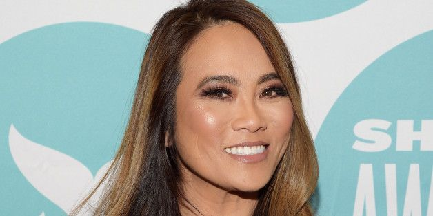 Dr. Pimple Popper Explains The Marks You Get After Popping Zits