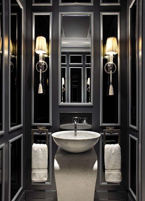 molding is always a good idea…  via: Interior Design, Black Bathrooms, Ideas, Luxury Bathroom, Modern Bathroom Design, Decor Bathroom, Bathroom Interiors Design, Powder Rooms, Luxurybathroom