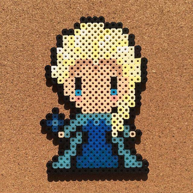 Queen Elsa - Frozen perler beads by tsubasa.yamashita