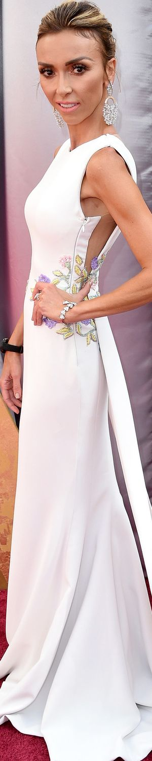 Giuliana Rancic wearing  Georges Chakra at the 2016 Oscars
