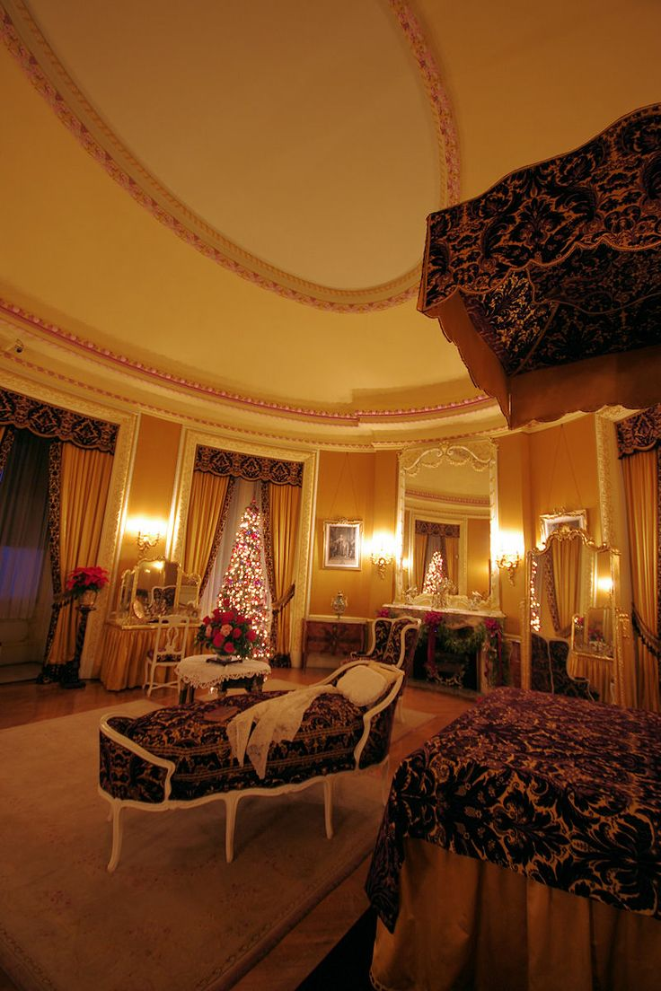 Edith Vanderbilt's bedroom in the Biltmore House in #Asheville at Christmas