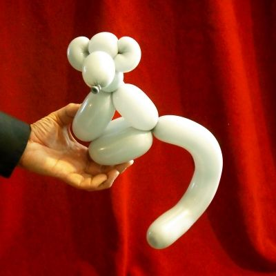 Make This Cute Monkey Balloon Animal with Easy-to-Follow Instructions