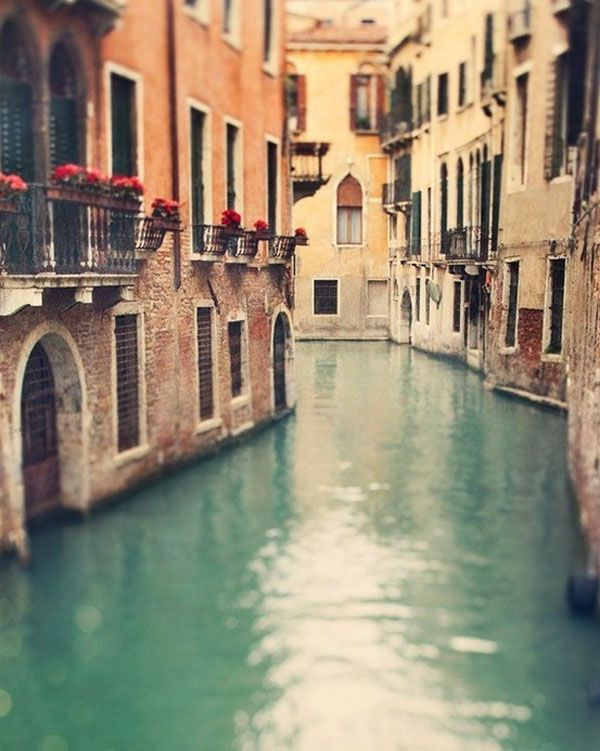 Venice, Italy >one of my favorite places in this world! It is