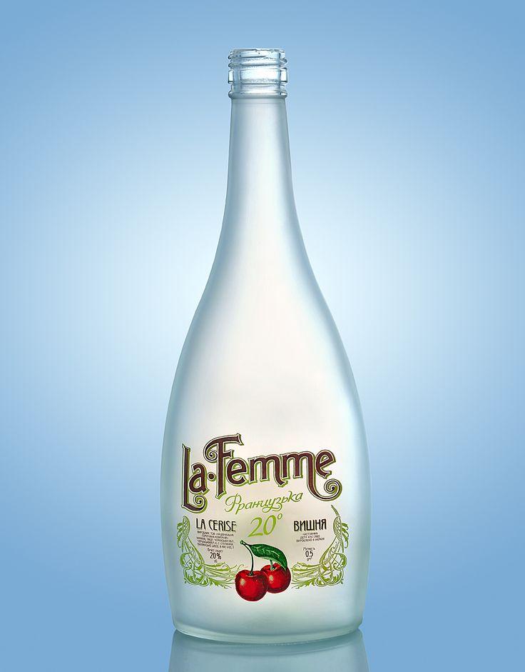 Легкая вишневая водка для женщин. #dancodecor #glsassdecor #glassdecoration #decor #decoration #glassprint #glass #glassart #packaging #packagedesign #bottle #bottledesign